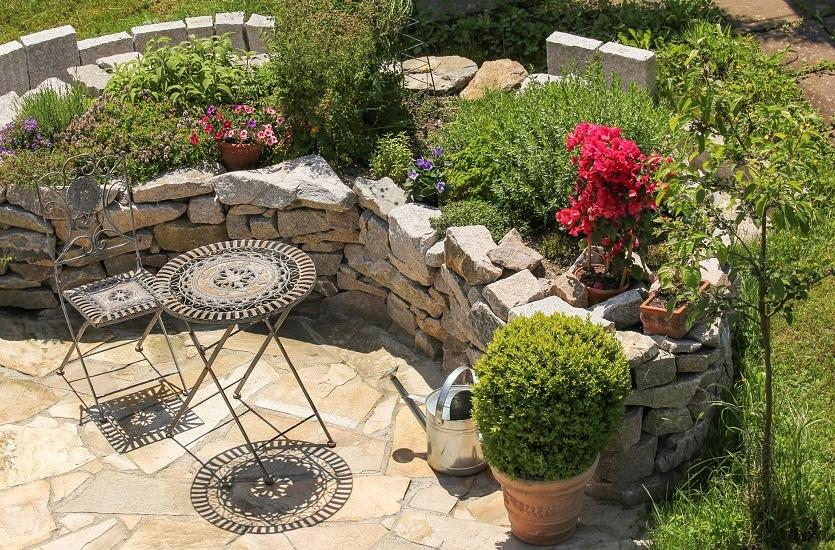 Kamień jako element aranżacji ogrodu