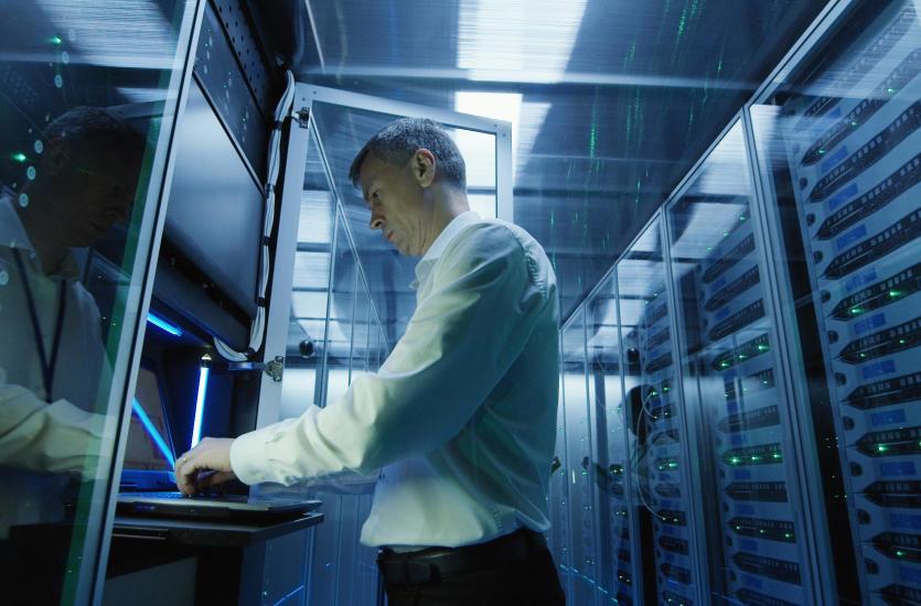 Jak znaleźć najlepszą obsługę informatyczną dla firm?