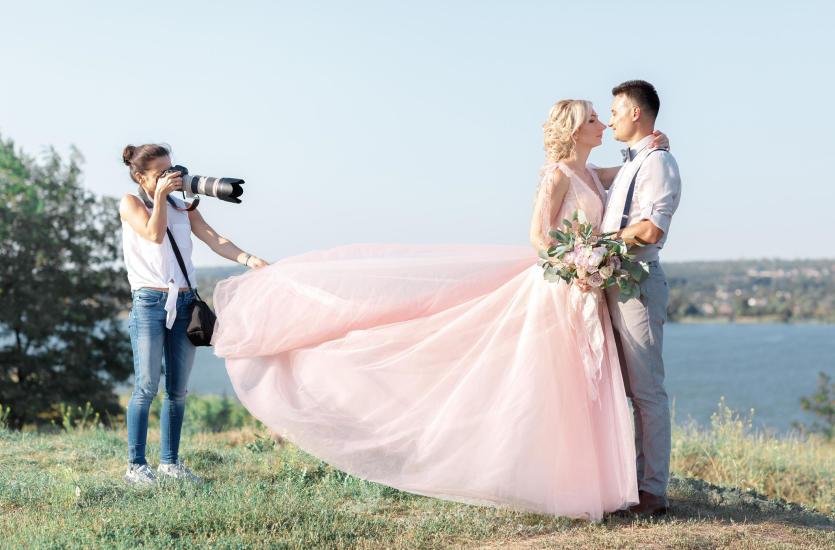 Na co zwracać uwagę przy wyborze fotografa na ślub?