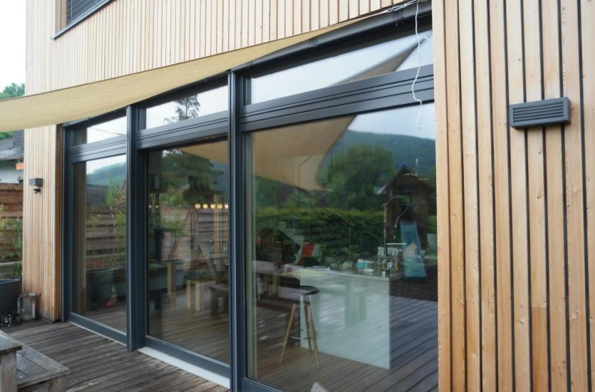Różnice między oknami aluminiowymi a drewnianymi