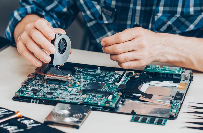 Czy opłaca się naprawiać komputer?