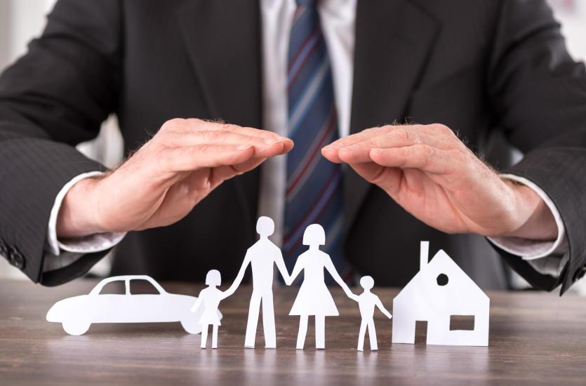 Dlaczego warto korzystać z usług agenta ubezpieczeniowego?