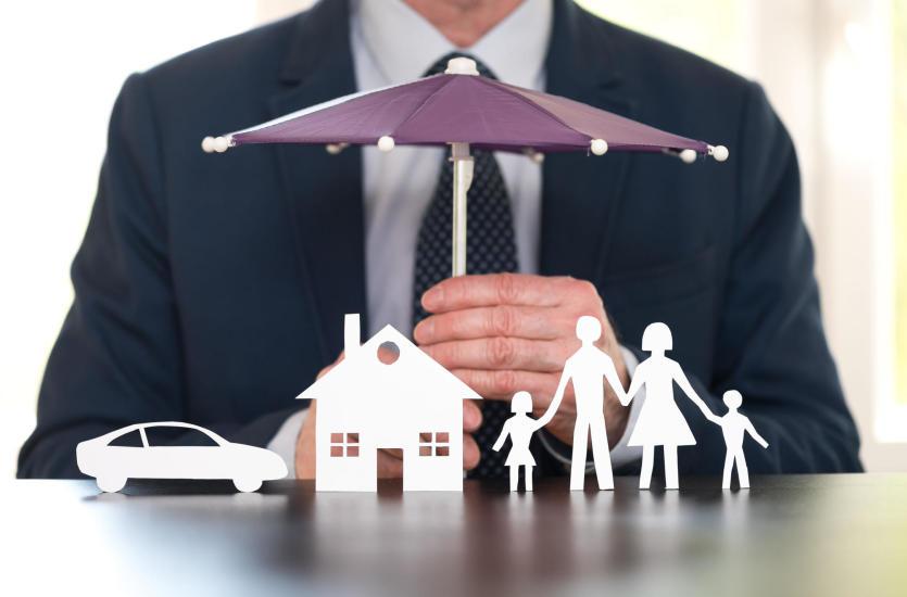 Jak wybrać korzystne ubezpieczenie samochodu i inne ubezpieczenia majątkowe?
