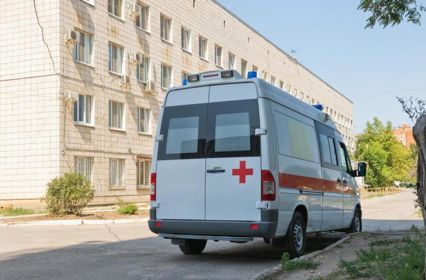 Transport medyczny i sanitarny – różne oblicza przewozu chorych