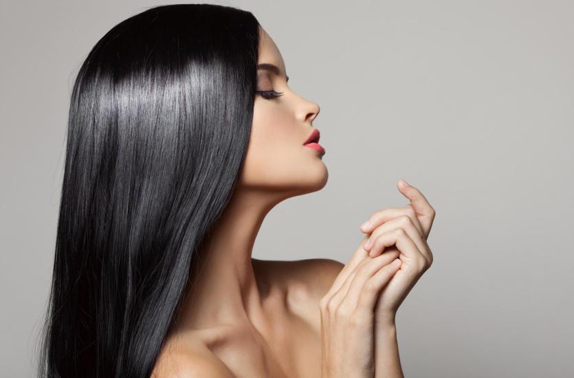 Keratynowe prostowanie włosów - głęboka pielęgnacja niezależnie od typu włosów