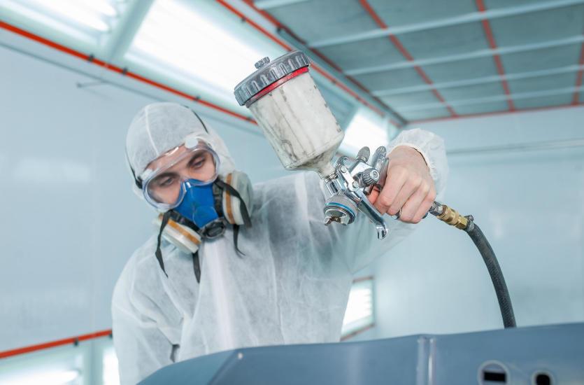 Masywnie Jakie urządzenia stosowane są w malowaniu proszkowym? GR47
