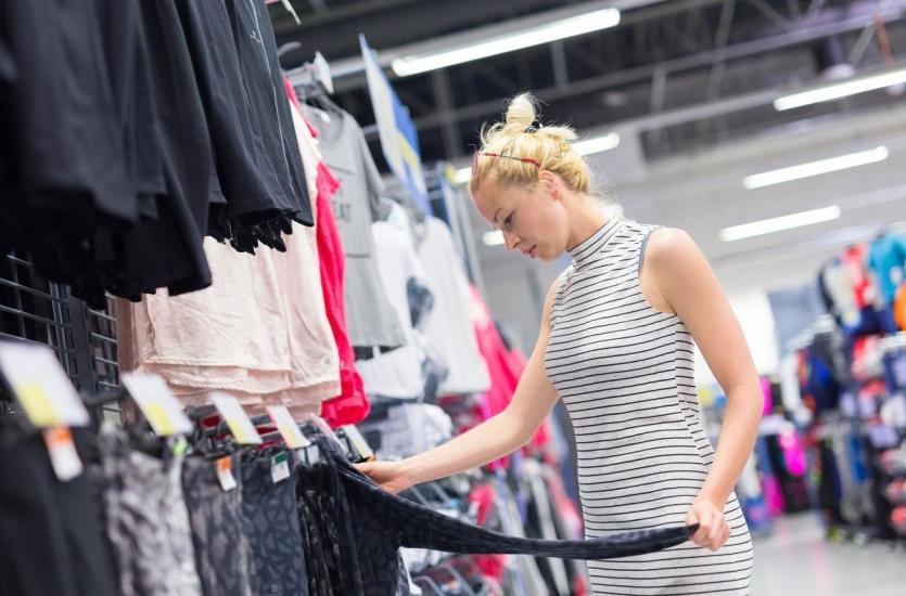 Jak urządzić sklep z odzieżą sportową?
