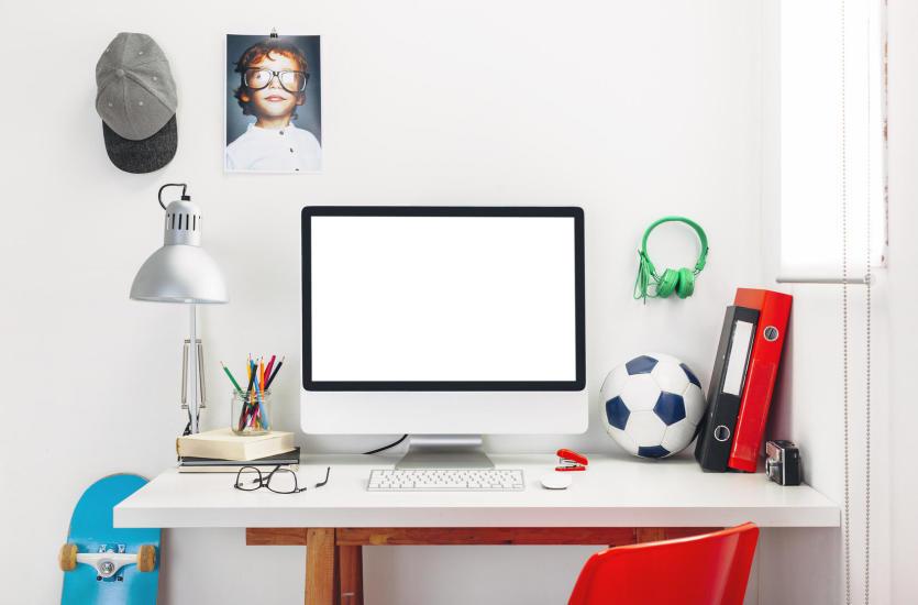Idealne biurko do nauki. Jak wybrać biurko dla dziecka?