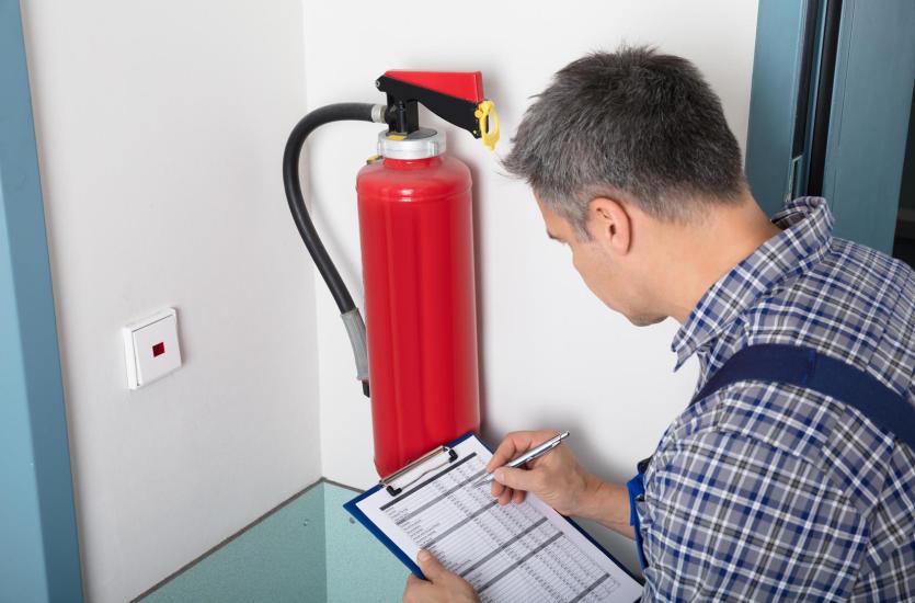 System przeciwpożarowy – jak chronić firmę przed ogniem?