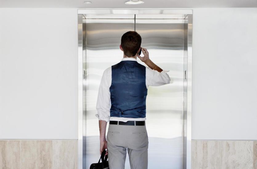 По каким параметрам следует отличать качественные пассажирские лифты?