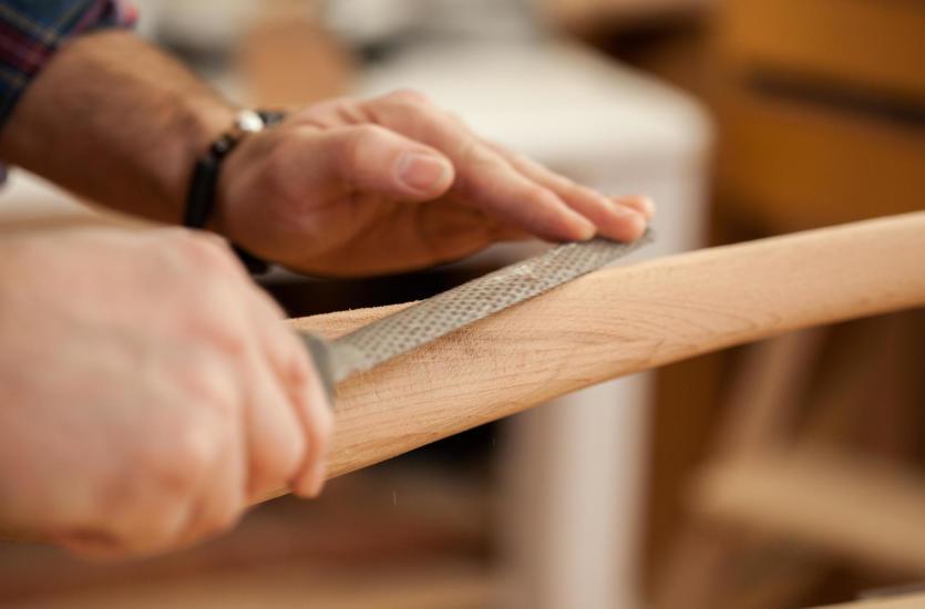 Drewniane przedmioty z duszą – zamówisz je u stolarza