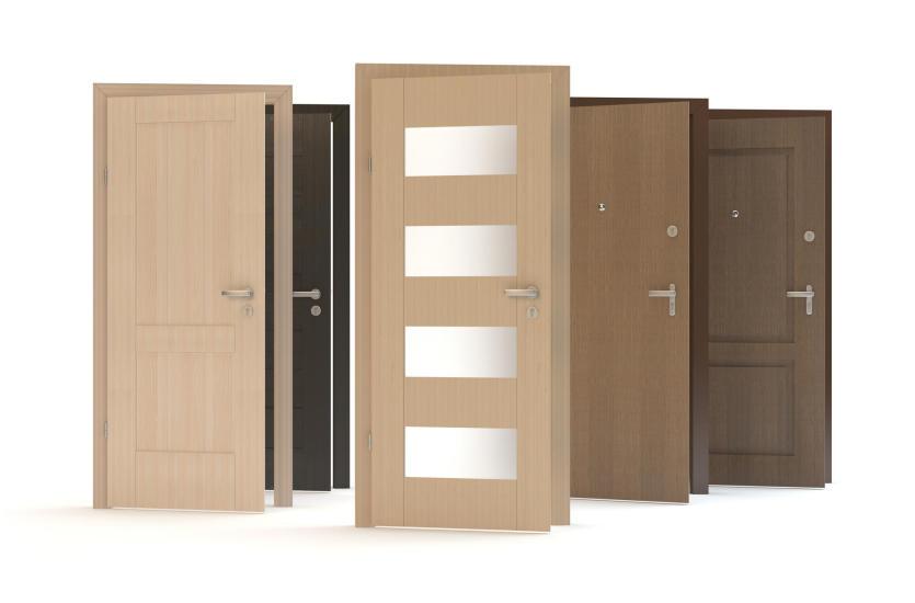 Из какого материала должна быть сделана дверь в дом?