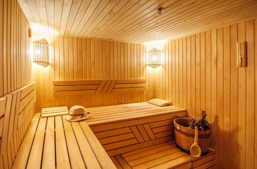 Korzyści i zasady korzystania z sauny parowej