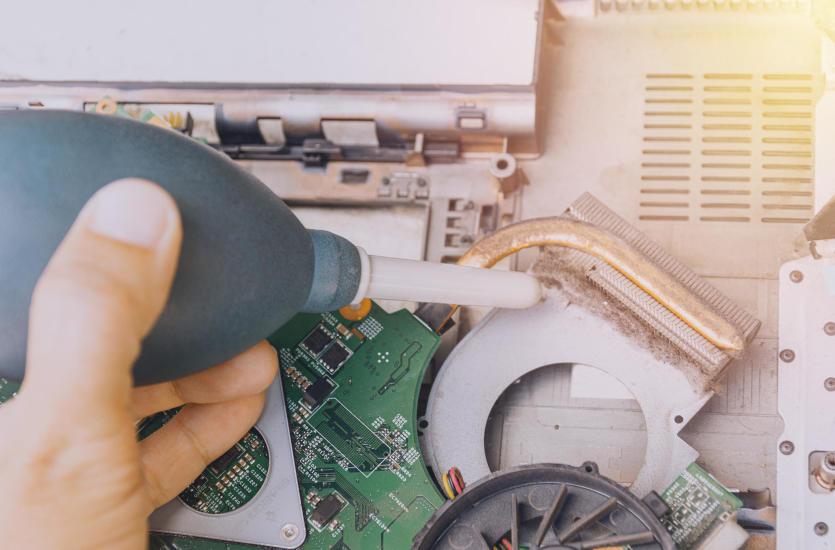 Awaria sprzętu komputerowego i jak sobie z nią poradzić?