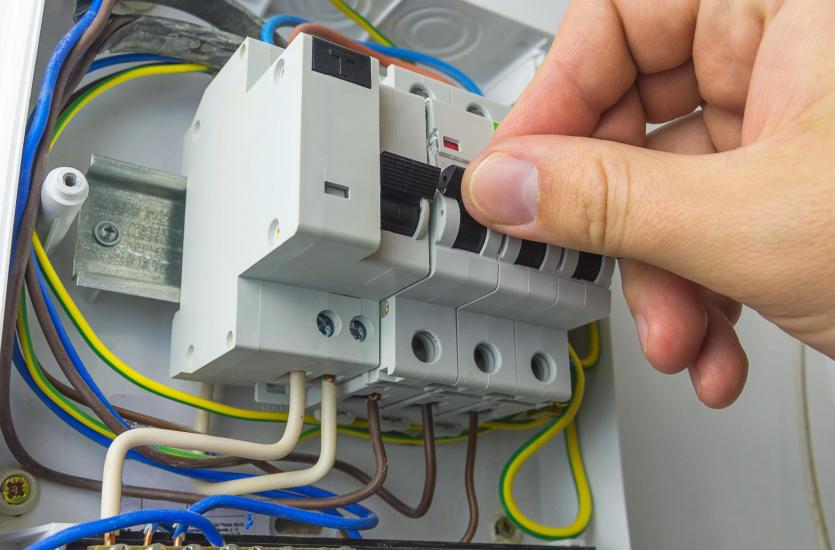 Z czego zbudowana jest instalacja elektryczna w domu?