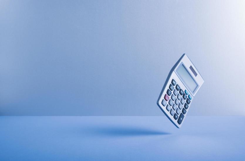 Jakie są zasady prowadzenia księgi przychodów i rozchodów?