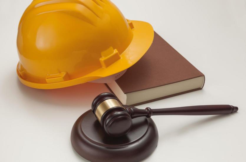 Jak zostać – budowlanym – radcą prawnym?