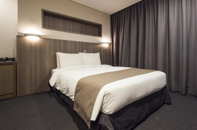 Jak Urządzić Sypialnię Wybór łóżka Zagłówka I Materaca
