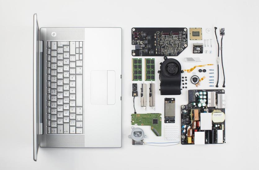 Naprawa komputera - dlaczego lepiej nie robić tego samodzielnie?