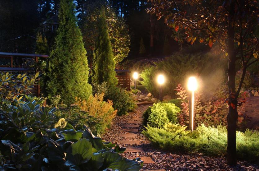 Pomysły na oświetlenie domu i ogrodu