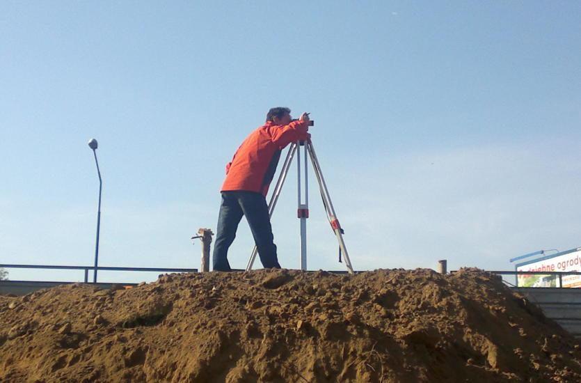 Kiedy niezbędna jest pomoc geodety sądowego?