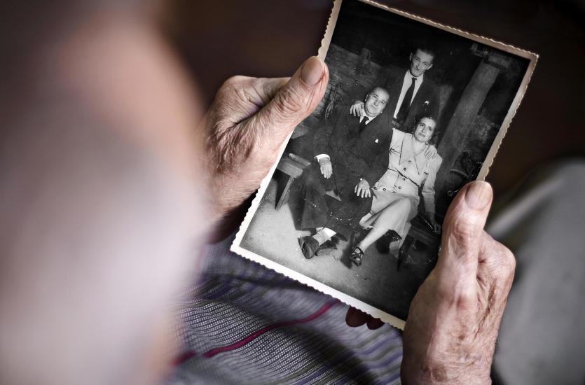 Reprodukcja oraz retusz starych i zniszczonych fotografii