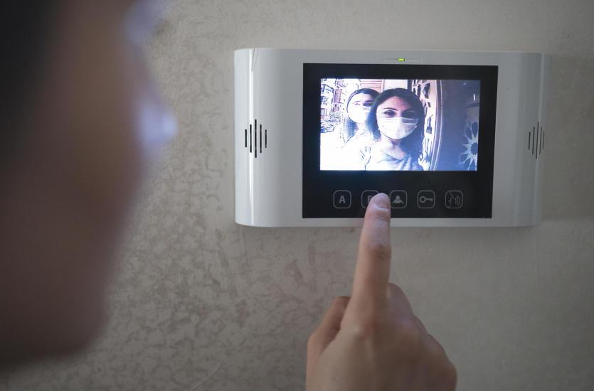 Montaż domofonów i wideofonów – o czym warto pamiętać?