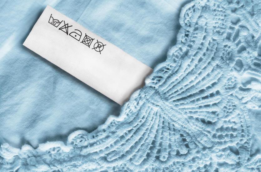 Co powinno się znaleźć na metce naszego ubrania?