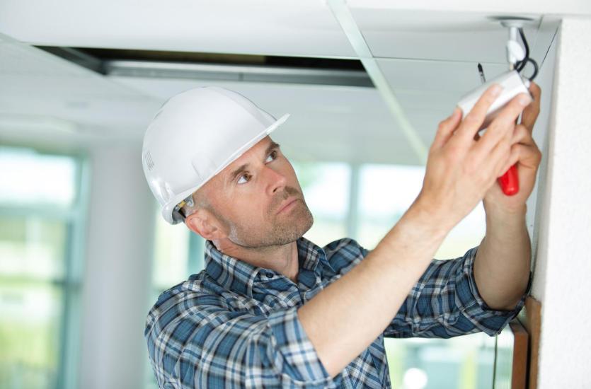 Co zrobić w przypadku awarii instalacji elektrycznej?