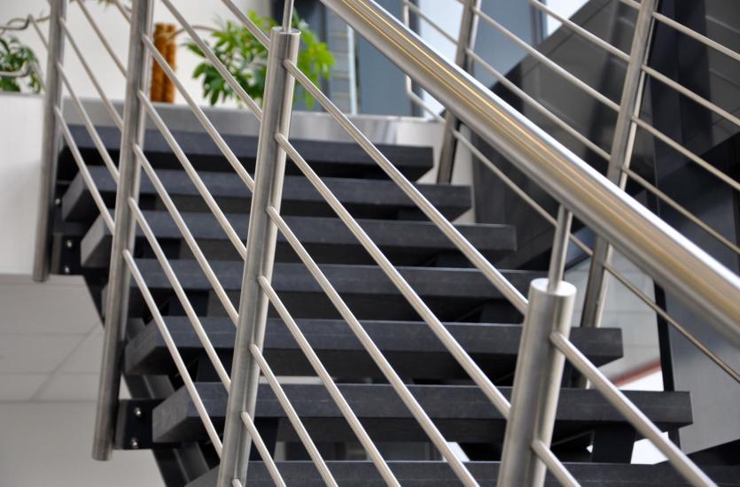 Balustrady Zewnętrzne I Wewnętrzne Na Schodach I Balkonach