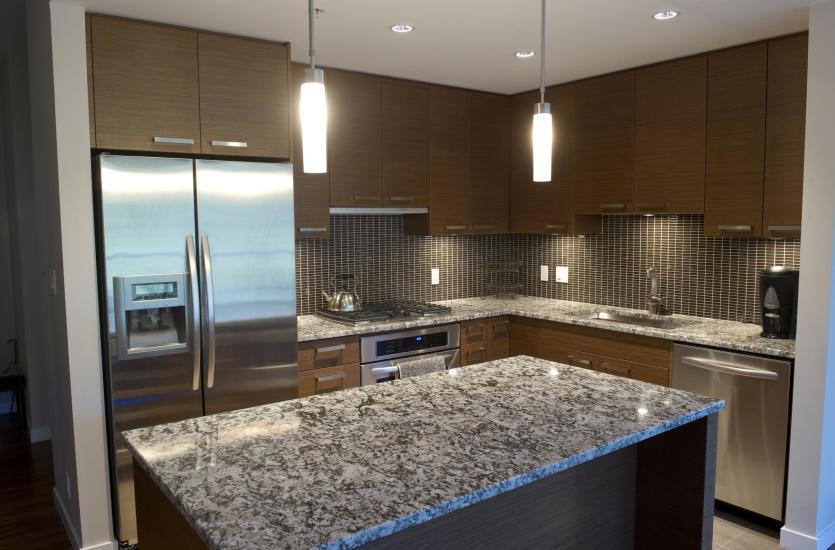 Jakie materiały wykończeniowe sprawdzą się w kuchni?