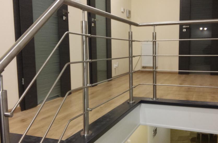 Balustrady do schodów, tarasów i balkonów – producent i montażysta