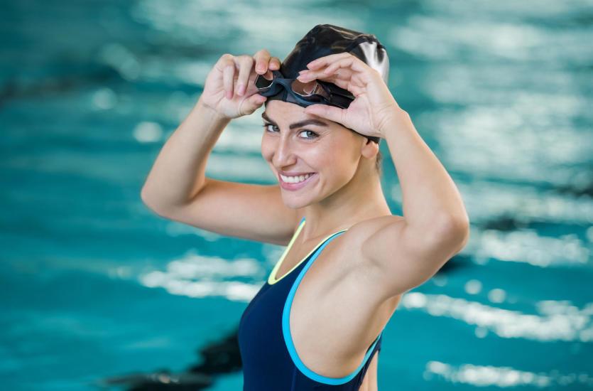 Wada wzroku i pływanie – jak dobrze widzieć na basenie?