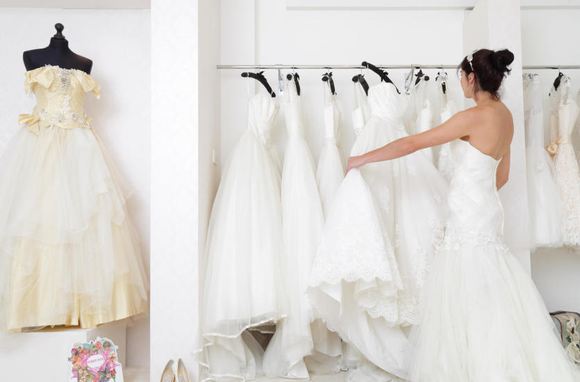 Wszystko, co warto wiedzieć o szyciu sukni ślubnych