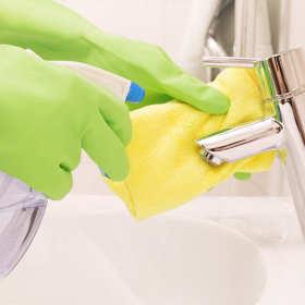 Niezbędne środki czystości w domu i firmie