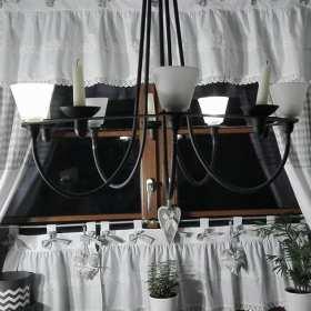 Ozdoby okienne w różnych stylach wprost z pracowni krawieckich