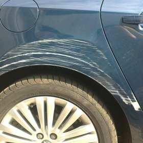 Kiedy warto udać się do blacharza samochodowego?
