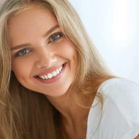 Estetyka uśmiechu – zdrowe i piękne zęby
