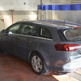 Kompleksowe usługi czyszczenia samochodów