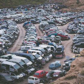 Jak oddać auto do złomowania? Praktyczny poradnik
