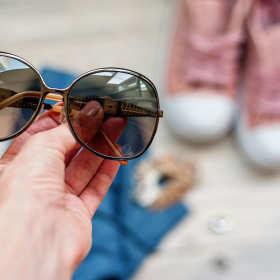 Dlaczego okulary słoneczne najlepiej kupić u optyka?
