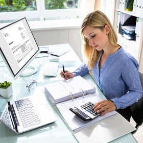 Czym zajmą się księgowi w ramach pełnej obsługi kadrowo-płacowej?