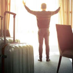 Noclegi dla turystów i osób wyjeżdżających w delegację – na co zwrócić uwagę?