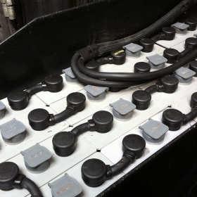 Akumulatory trakcyjne, ich naprawa oraz bieżąca konserwacja