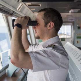 Specjalistyczne szkolenia dla kadr marynarskich