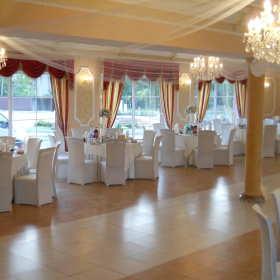 Na co zwracać uwagę, wybierając salę weselną