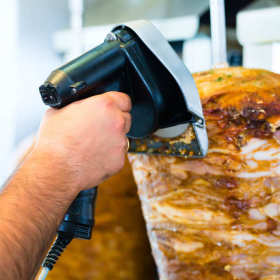 Tradycyjny polski kebab – zjesz go w rzeszowskim barze Davis