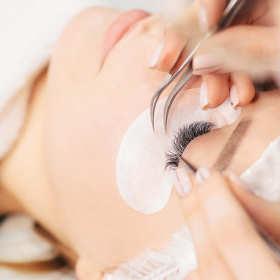 Jak zadbać o swój wygląd, czyli usługi gabinetu kosmetycznego