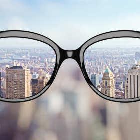 Jakie rodzaje okularów znaleźć można w dobrych salonach optycznych?
