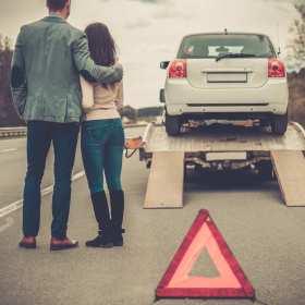 Naprawa samochodów w zagranicznych warsztatach, czy sprowadzenie pojazdu do Polski? – usługi lawetowania